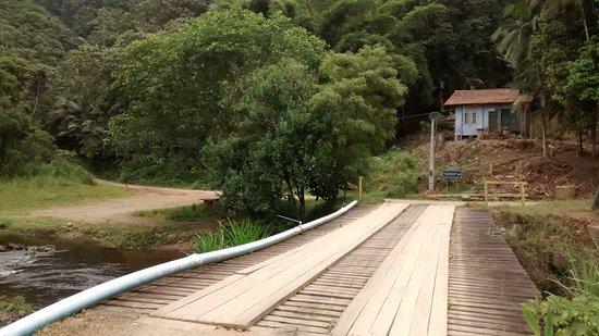 Schroeder, SC: Ponte sobre o rio Bracinho, prainha do Quiosque da Usina