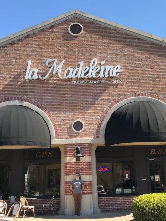 La Madeleine French Bakery: photo0.jpg