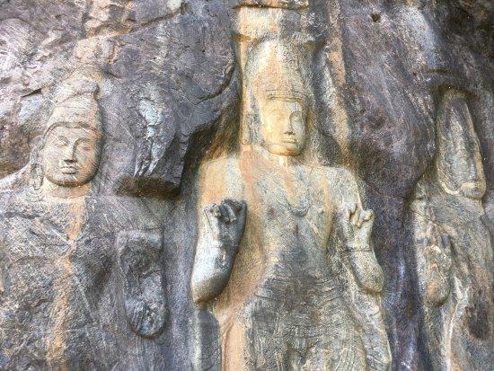 Buduruwagala Temple: photo5.jpg