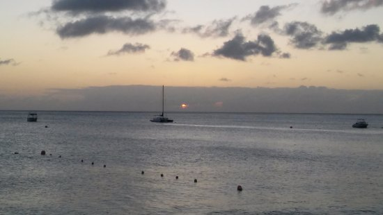 Holetown, Barbados: Another beautiful sunset