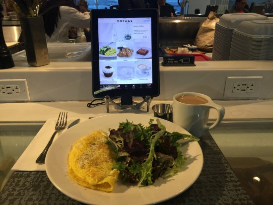 Ηστ Έλμχερστ, Νέα Υόρκη: 20 bucks no taste breakfast with good presentation