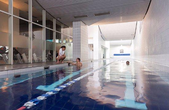 กิลเมอร์เซอวิสอพาร์ตเม้น: Habit Health Centre pool facilities. Included in your nightly rate.