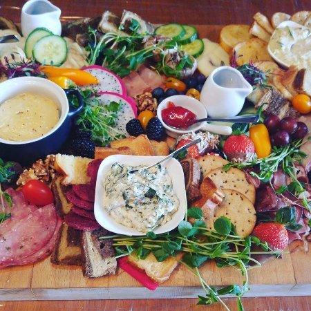 Vernon, Canada: Charcuterie Board, Baked Brie & Garlic and Midtown Trysome