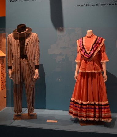 043ffc6ecd6 Traditional Mexican clothes - Picture of El Pueblo History Museum ...