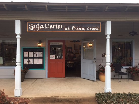 ‪‪Marble Falls‬, تكساس: Galleries at Pecan Creek is located in historic Old Oak Square.‬