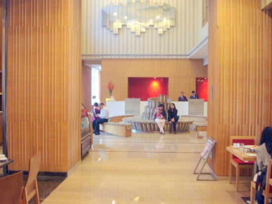 The Metropolitan Hotel & Spa New Delhi: Reception area
