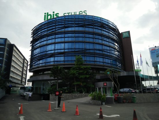 free shuttle schedule picture of ibis styles jakarta airport rh tripadvisor com
