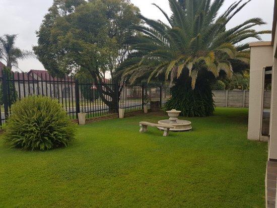 Kempton Park, South Africa: Gardens