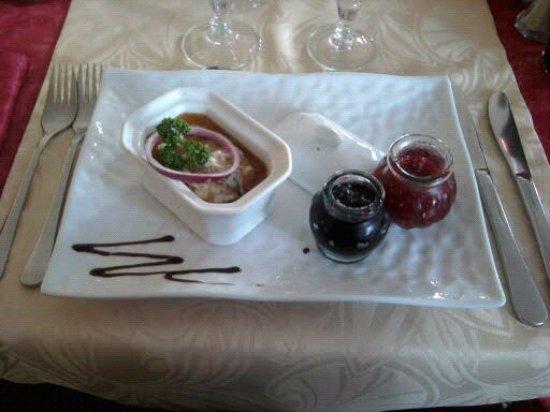 Longueil, Frankrike: Petite terrine de biche et sa confiture d'oignons