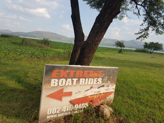 Hartbeespoort, Südafrika: Direction Sign