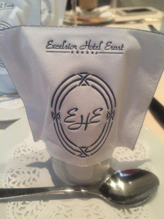 Excelsior Hotel Ernst: Cute eggs