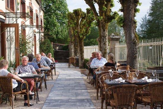 Thury, France : terrasse Manoir Bonpassage