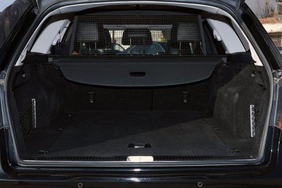 Kassandra, Yunani: Caravan Mercedes-Benz E-class 5 suitcases