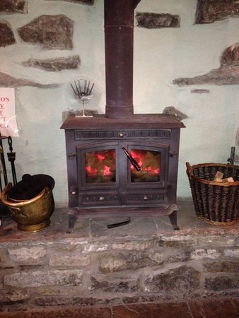 Sedbergh, UK: great stove, lovely and warm pub