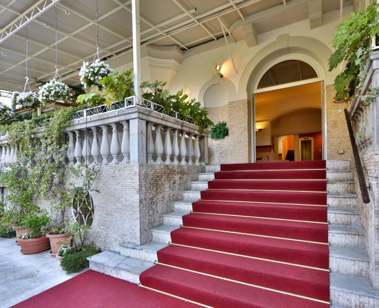 Biasutti Hotel: Entrance