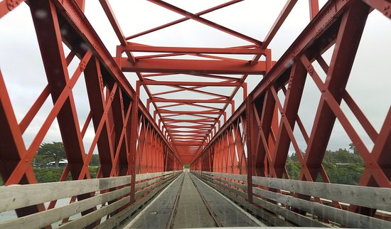 Хокитика, Новая Зеландия: Taramakau Road-Rail Bridge. There are many single track road bridges in New Zealand but this is