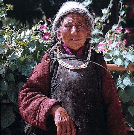 Frau in Lamayuru