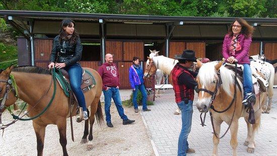 Fumane, Italy: Escursione a cavallo con Valpolicella Adventure