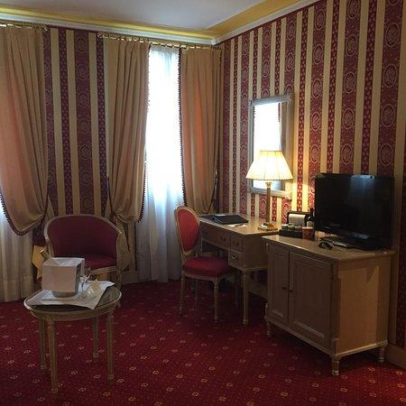 Bel hôtel très bien situé