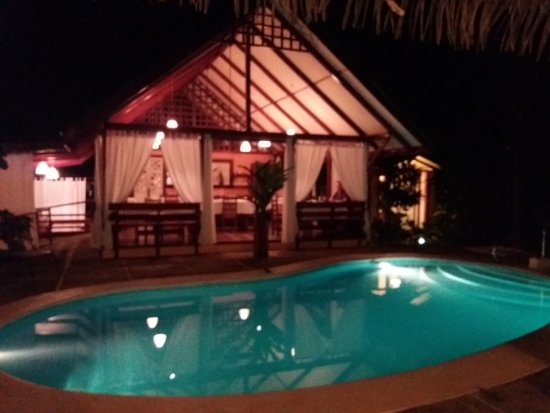 Namuwoki Lodge: Pool mit Speisesaal