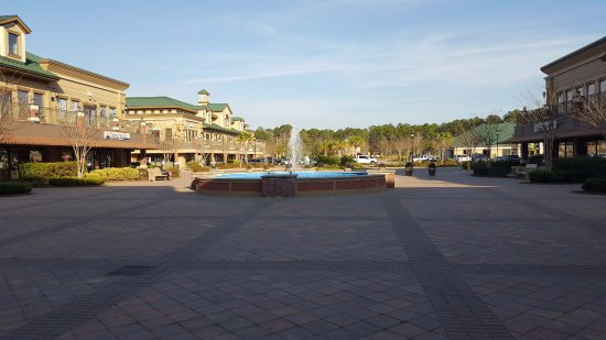 Bluffton, Carolina del Sur: View of the plaza from Cinemark