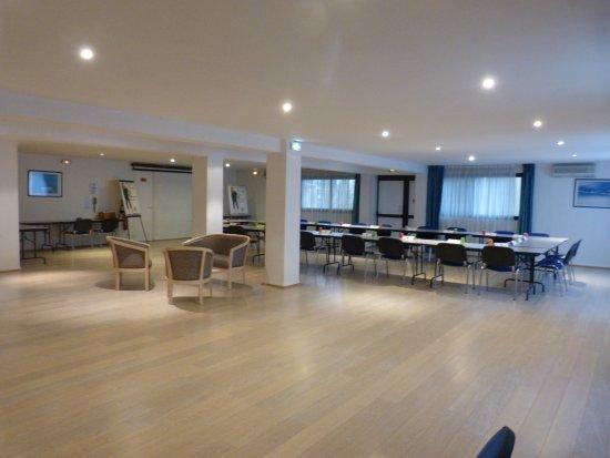 Villenave D'ornon, France: Salon Bleu 148 m²