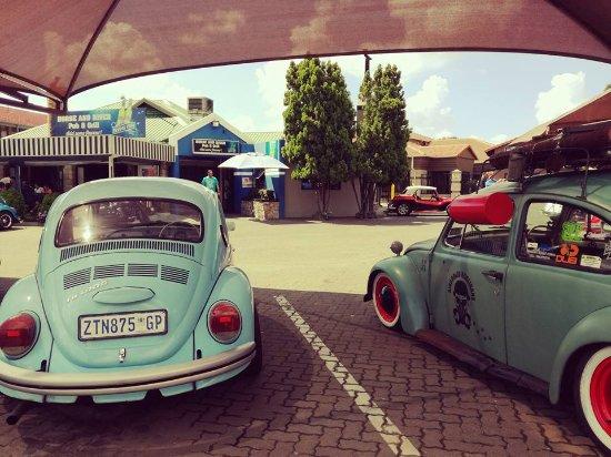 Vanderbijlpark, Sudáfrica: VW Beetles Breakfast Run at Horse and River