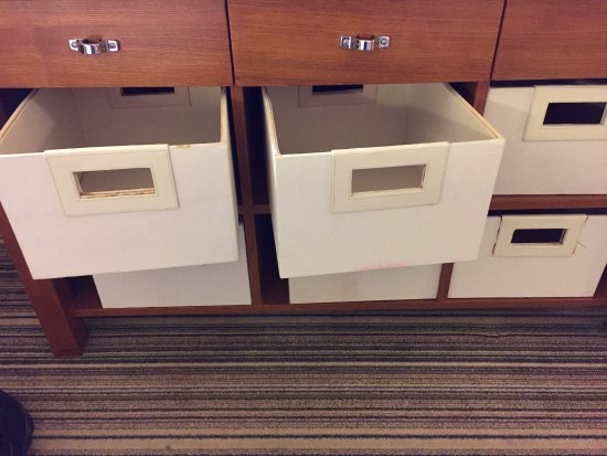 "Four Points by Sheraton Columbus Ohio Airport: ""drawers"""