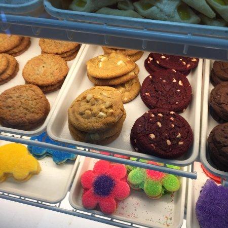 Cinotti's Bakery : photo1.jpg