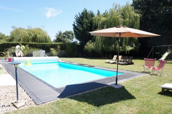 Medis, Frankrike: piscine chauffée commune