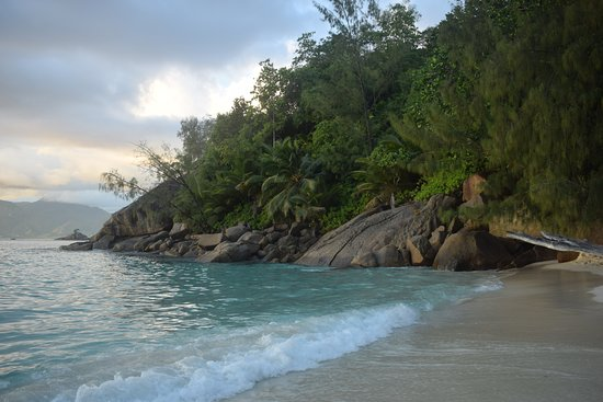 Mahe Island, Seychelles: Boulders at one end of the beach