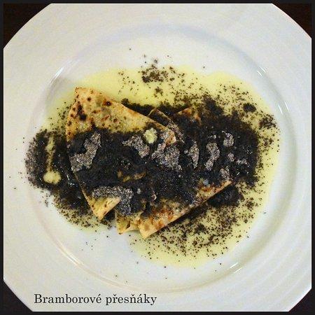 Lednice, Czech Republic: Bramborové přesňáky s makem