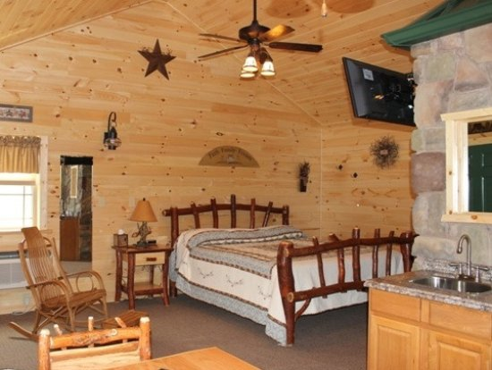 7 C's Lodging: Cabin 12  - one side of duplex cabin