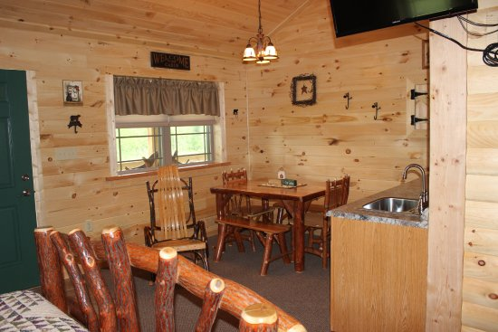 Flintstone, MD: Cabin 11 - part of a duplex cabin