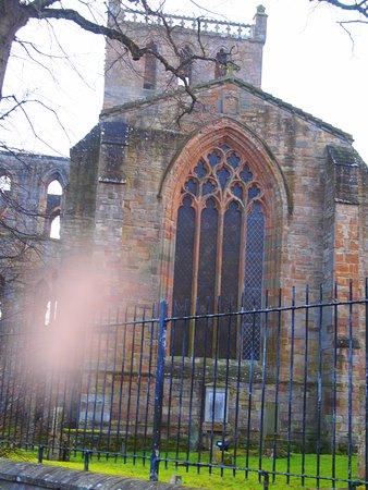Jedburgh, UK : Mias um vitral intacto...