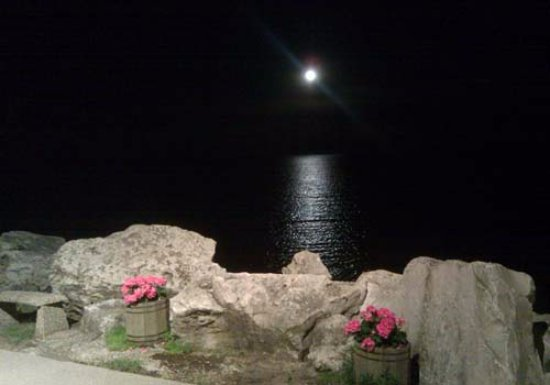 Two Rivers, WI: Moonrise over Lake Michigan