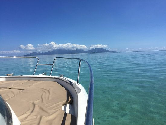 Tahiti Private Boat Tours - CRUZING