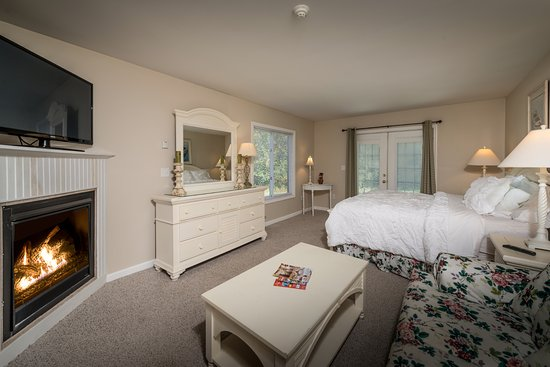 Crescent Lake Inn & Suites (Formerly The Lake Motel) Resmi