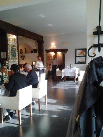 Castelfranco Emilia, Italy: interno del ristorante