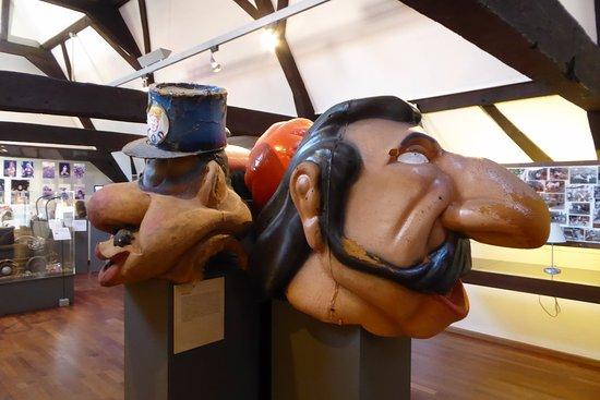 Aalst, Belgia: modern carnival masks