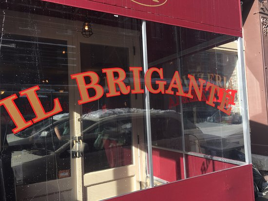 Il Brigante: Outside of the restaurant on Front Street