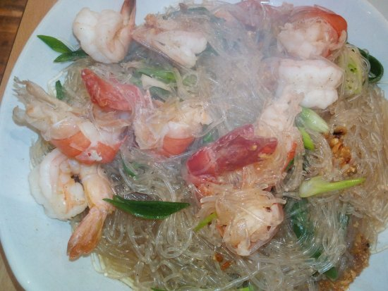 Thai Street Food: Glass Noodles Soup with Prawns.