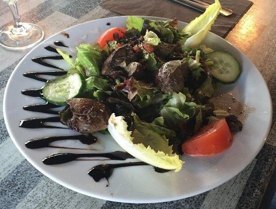 Chevigny-Saint-Sauveur, France : Salade de Foie de Volaille