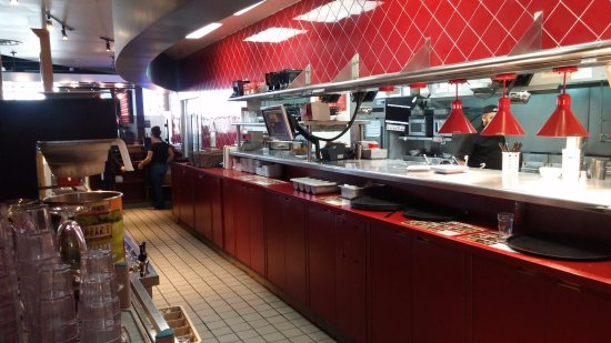 Red Robin Gourmet Burgers: Kitchen / Server Area