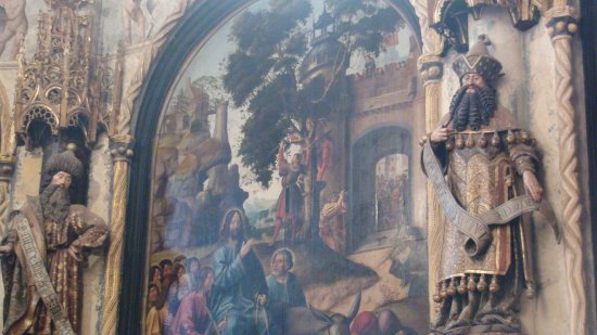 Tomar, Portugal: Estátuas laterais são obra de Olivier de Gand