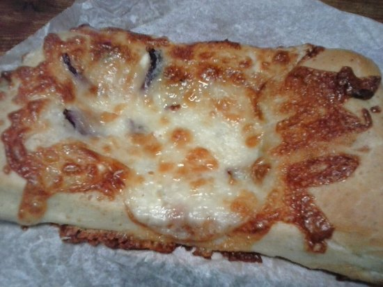 Brevard, NC: blue cheese, onion and pecan flatbread
