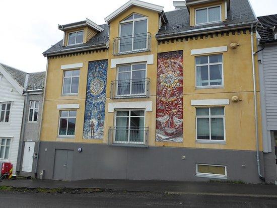 Marit Bockelie mosaics