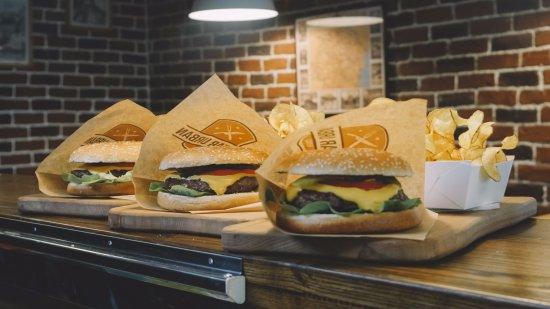 Gratar Urban (Urban Grill): Burgers