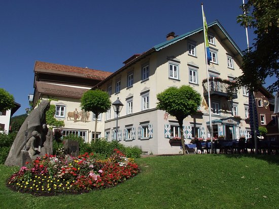 Hotel adler oberstaufen duitsland foto 39 s reviews en for Oberstaufen hotel