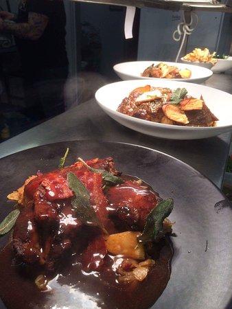 Yeadon, UK: BEAUTFIUL FOOD, WONDERFUL STAFF!
